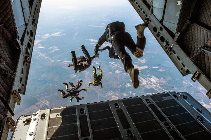 parachute-1242426_1920 (1)
